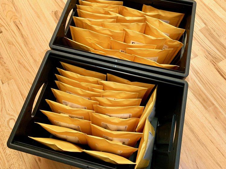 icebreaker-main-fulfillment-envelopes-1_jpg_project-body